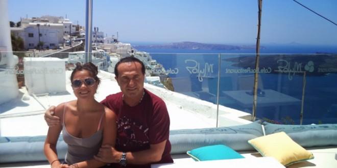 O ΛεΠα με τη κόρη του στη Σαντορίνη