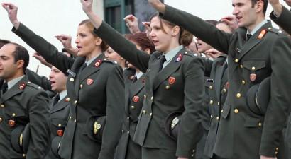 Αποφάσεις κατά της εισαγωγής τριτέκνων στις στρατιωτικές σχολές