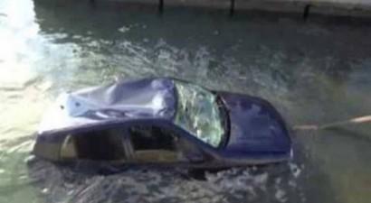 Αυτοκίνητο έπεσε στο λιμάνι της Αλεξανδρούπολης