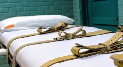 Εκτελέστηκε η μάνα που είχε αφήσει το γιο της να πεθάνει από ασιτία