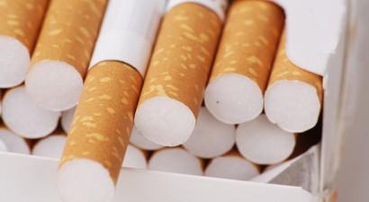 Χειροπέδες σε 21χρονο για 4.900 πακέτα με λαθραία τσιγάρα