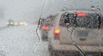 Πανικός στη Θεσσαλονίκη από την πρωινή βροχή