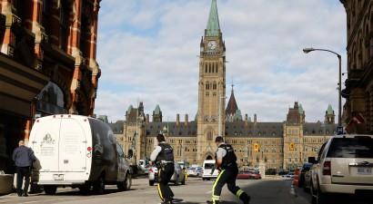 Δεκάδες πυροβολισμοί μέσα στη Βουλή του Καναδά