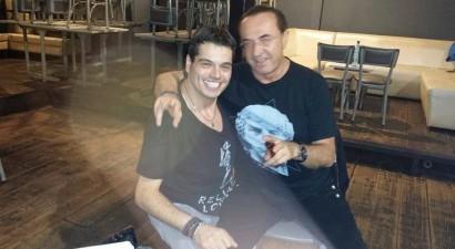 Γιώργος Δασκαλάκης: Ο τραγουδιστής - «φαινόμενο» στην κορυφή των charts και στο πλευρό του ΛΕ – ΠΑ!
