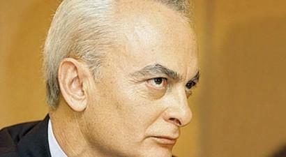 Απεβίωσε ο δημοσιογράφος Τριαντάφυλλος Δραβαλιάρης
