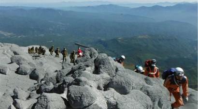 Αυξάνονται οι νεκροί απο την έκρηξη ηφαιστείου στην Ιαπωνία