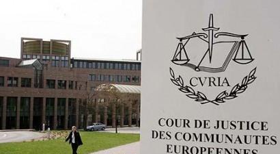 Στο Ευρωπαϊκό Δικαστήριο η επιβολή ΦΠΑ στις δικηγορικές αμοιβές