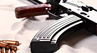 Εισέβαλαν με... Kalashnikov σε ουζερί στη Φθιώτιδα