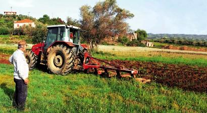 ΝΔ: Φορολογική απαλλαγή για αποζημιώσεις και επιδοτήσεις των αγροτών
