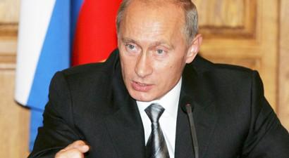 Ο Πούτιν μειώνει κατά 10% τον μισθό του