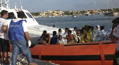 Ανατροπή σκάφους με δέκα νεκρούς μετανάστες ανοιχτά της Σικελίας