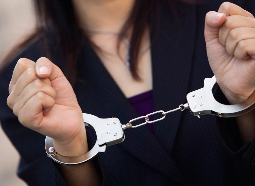 a4051ec34f7e Καλλιθέα  Σύλληψη 30χρονης για «μαϊμού» ρούχα και αξεσουάρ • Η Άποψη