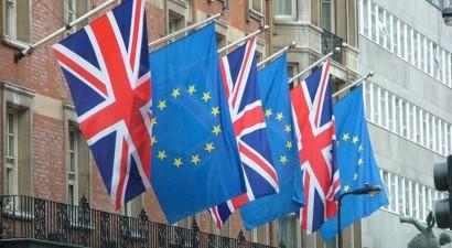 """""""Ναι"""" σε δημοψήφισμα λέει το 58% των Βρετανών"""