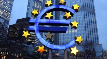 Ομάδα 200 επενδυτών στρέφεται εναντίον της ΕΚΤ για το ελληνικό psi