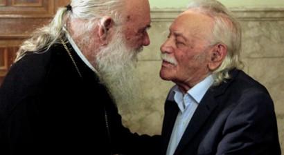Θρησκευτική κηδεία ζήτησε από τον αρχιεπίσκοπο ο Γλέζος