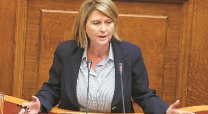 «Όλοι αξιοπρόσεκτοι», αλλά στηρίζει Μεϊμαράκη η Βούλτεψη