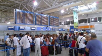 """Έσπασε το «φράγμα» των 14 εκατ. ταξιδιωτών το """"Ελευθέριος Βενιζέλος"""""""