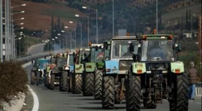 Έτοιμοι να στήσουν μπλόκα οι αγρότες