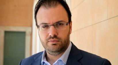 «Ο ΣΥΡΙΖΑ συμπράττει με τη λαϊκή δεξιά, όχι με προοδευτικές δυνάμεις»
