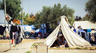 Καταγγελίες ότι βγήκαν όπλα στον καταυλισμό του Ελληνικού