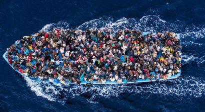 Εκατοντάδες νεκροί από το ναυάγιο ανοιχτά της Σικελίας