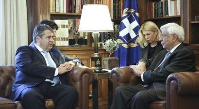 Παυλόπουλος: Η οικονομία να υπηρετεί τον άνθρωπο και όχι το αντίθετο