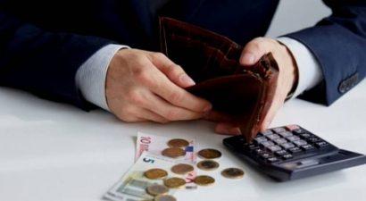 Οι αυξημένες εισφορές αδειάζουν το πορτοφόλι