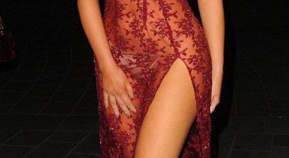 Στρινγκάκι, σιθρού φόρεμα, και όλα τα φλας πάνω της (εικόνες)