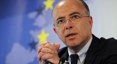 Ο υπουργός Εσωτερικών,  Μπερνάρ Καζνέβ, αναλαμβάνει την πρωθυπουργία στη Γαλλία