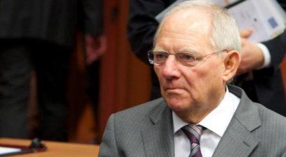 O Σόιμπλε έβγαλε ξανά από την τσέπη την απειλή για Grexit