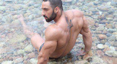 Σπύρος Τσουτσάνης: Η πιο διάσημη πλάτη στην Ελλάδα (photos)