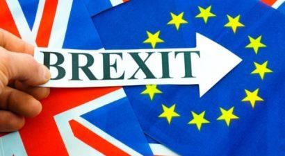 Σκληρό Brexit και εναλλακτικό οικονομικό μοντέλο ετοιμάζεται για τη Βρετανία