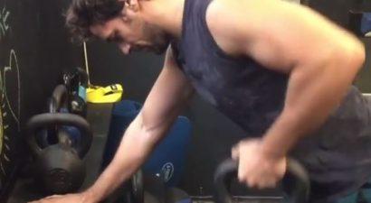 Ο Απ. Τότσικας λιώνει στο γυμναστήριο