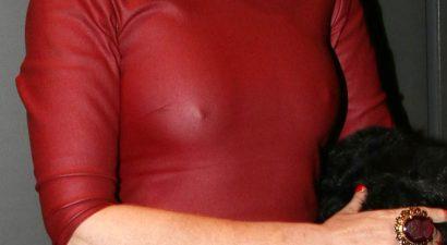 «Ερέθισε» τον φωτογραφικό φακό χωρίς σουτιέν 48χρονη Ελληνίδα ηθοποιός (εικόνες)
