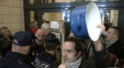 """""""Βράζουν"""" οι Γάλλοι:  Ο Φιγιόν στη φυλακή - Φέρε πίσω τα λεφτά"""