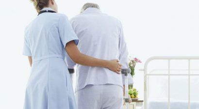 Χειροπέδες σε πέντε παράνομες αποκλειστικές νοσοκόμες