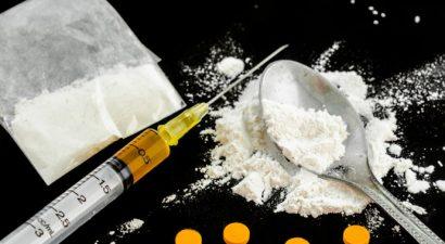 «Μπίζνες» με ναρκωτικά στη Γλυφάδα έκαναν έγκλειστοι των φυλακών Πατρών