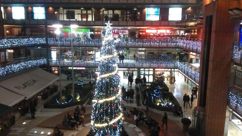 Ικανοποίηση στην αγορά της Θεσσαλονίκης από την εορταστική κίνηση ... ddf4d2c7496