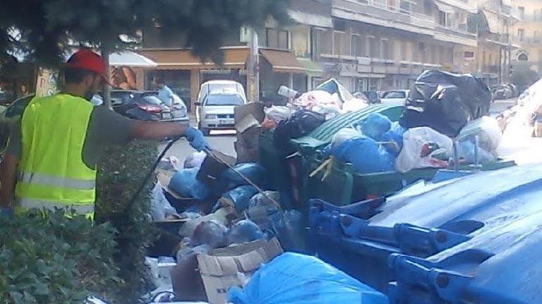 Γιάννενα: Ξανά γέμισε σκουπίδια η πόλη μετά τη λήξη των συμβάσεων