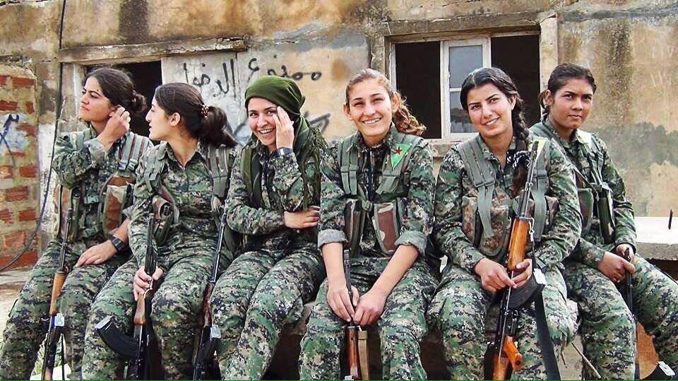 Βόρεια Συρία: Γυναίκες-καμικάζι στην πρώτη γραμμή του μετώπου (φωτό) • Η Άποψη